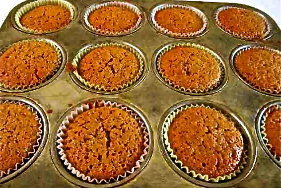 04-Muffins-in-pan-IMG_2664-001
