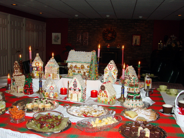 Gingerbread Houses and Candlelight Teas
