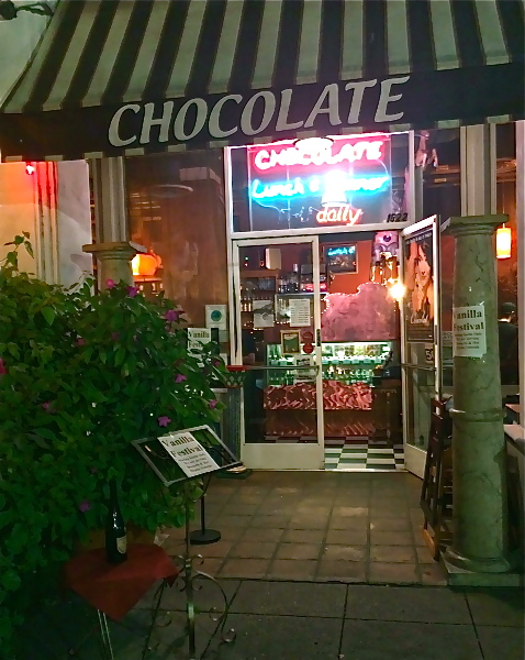 chocolate-entrance-img_1701_fotor